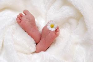 宝宝大便干燥怎么办才好如何预防宝宝大便干燥