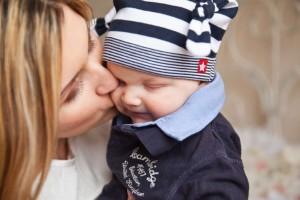 宝宝脸蛋发红发热宝宝脸蛋发红发热的原因都有哪些